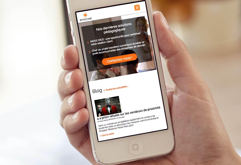 Image montrant la page d'accueil du site vue d'un écran de smartphone.
